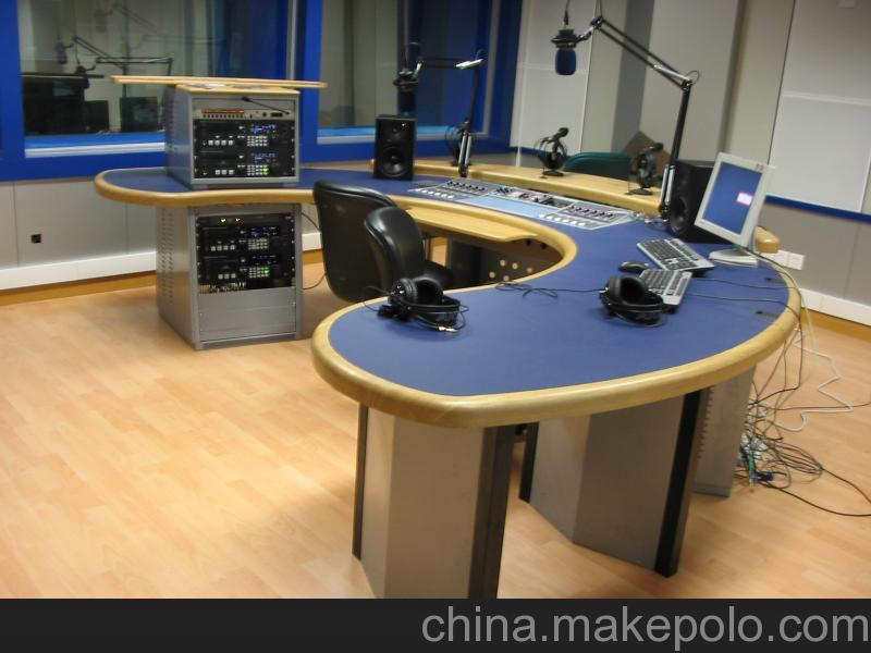 演播机房家具:演播桌、演讲台、广播桌、演出流动箱