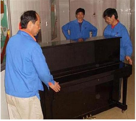 新吉星-钢琴搬运