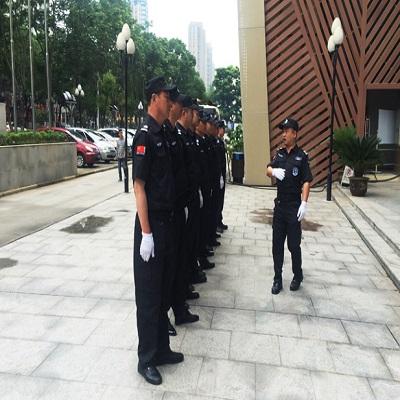 深宝华保安服务多年专业保安公司-定制保安服务